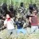 Video Muy Fuerte El cartel delo Zetas degollando a tres tipos Quitandole la Cabeza