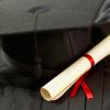 Dan un diploma a una estadounidense con casi 90 años de retraso el diablo!