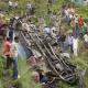 Al menos 37 muertos en la India por la caída de un autobús desde un puente