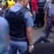 Video/Sudáfrica: suspenden a policías por arrastrar a un hombre en una camioneta hasta Matarlo