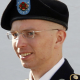 El mayor filtrador de WikiLeaks se declara culpable de 10 cargos para evitar la pena de muerte