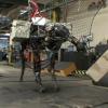 Video: La 'mula-robot' del Pentágono De Estados Unidos ya puede lanzar objetos