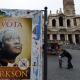 Roma 'se inunda' de pósteres con la imagen del que podría ser el primer papa negro Sellamara pedro el romano