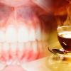Exceso de té deja a una estadounidense sin dientes chekeen para que nole pase