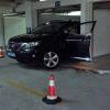 Aparcamiento fatal: Una mujer aplasta a su marido con el coche y luego fallece