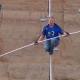 Video: Delo que se comenta hoy en el mundo Un equilibrista cruza el Gran Cañón en la cuerda floja