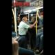 VIDEO Este anciano le Rompien la cara por decirle negro a dos afro americano