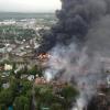 Video, fotos: Descomunal incendio en Canadá tras descarrilar un tren cisterna con crudo