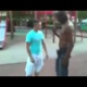 VIDEO Me estoy muriendo dela rrisa OMG Solo miren esta pelea callejera gay vs borrachito