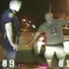 VIDEO Miren que lucha coje este policia con este borracho