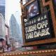 Spiderman pierde su telaraña y cae durante una obra teatral en Broadway