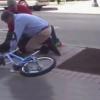 Miren este video si Como lo tienen en el piso al tipo Citizens Arrest Purse Snatcher
