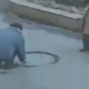 Que maldito idiota es este meclando candela con gas Man Searches For Gas Leak With Lighter