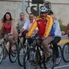VIDEO Que maldito estrallon El presidente Nicolás Maduro se cae de una bicicleta