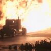 VIDEO Que loco es este prendiendo un camion en candela
