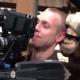 Miren este video el caballo quiere violar al tipo :Horse Nibbles Cameraman's Ear