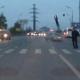 PORFAVOR MIREN ESTE VIDEO COMO BUELA POR EL AIRE :Driver Slams Right Into Pedestrian Causing Him To Get Launched In The Air