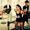 Miren esta mujere buenicima en el Gym :These Chicks Putting In Work: Women Squat Day!