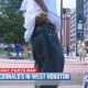 Video si no te sube lo pantalones no entre :McDonald's In Houston Ban Sagging Pants Angers The Hood!