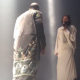 Miren este famoso rapero americano llevo uno igual que Jesucrito al esenario Kanye West Brings Out Jesus On Stage In Seattle!