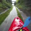 Miren este tipo como es que se divierte hagan lo mismo ustedes :Kayaking Down a Drainage Ditch