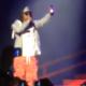Letiran una botella de servesa en un concierto a LiL Wayne :A Beer Bottle Gets Thrown At Lil Wayne During His Concert In Dublin, Ireland!