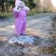 VIDEO LO PRIMERO PASO DE UN BEBE EN LA NIEVE Little Kid's First Walk On Ice