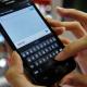 VIDEO Nuevo teléfono inteligente que promete guardar secretos. mira esto