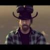 VIDEO MIREN ESTO Chuck Norris 'deja pequeña' la espectacular acrobacia de Van Damme