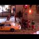 UN GRUPO DE SANTA CLOWS BORRACHOS PELIANDO :Group Of Drunk Santa's Fighting In The Snow!