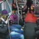 Tienen que ber esto Raw Footage Shows 19-Year-Old Attempting An Armed Robbery On West Seattle Bus But Gets Dealt With By Brave Passengers!
