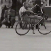 VIDEO MIREN ESTA BICYCLETA ANTIGUA :Bicycle Tricks From The 1950's