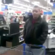 VIDEO MIREN ESTO :He Started Running: Lady Confronts Man For Beating It Inside Walmart's Women Restroom!