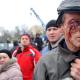 Tienen que ver esto pobre hombre golpiado Las protestas en Ucrania se tornan violentas