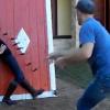 Video miren esto jama visto en su vida :Crazy Knife Throwing Practice Routine