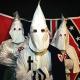 El Ku Klux Klan reparte caramelos para tentar a los ciudadanos unirse a la organización