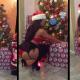Vida Guerra's meniando su culo en camara miren esto Twerking Merry Christmas 2013!