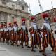 Exjefe de la Guardia Suiza: La sociedad gay secreta del Vaticano amenaza su seguridad