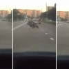 VIDEO Accidente fatal El diablo le dieron duro apena esta vivo Arrogant Biker Gets Instant Karma