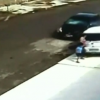 VIDEO Que terrorifico carro le pasa por encima 5 Year Old Gets Up After Being Run Over Twice To Help His Grandmother!