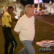 VIDEO Lo agarran Preso miren porque This Guy Is Begging For The Cops To Search His Pants!