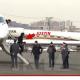 Justin Bieber Seguia fumando saviendo que estaban buscando marijuana en su avion The Idiot Knew He'd Get Searched And Still Smoked up the Jet
