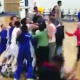 Video el diablo que problema se armo aqui miren Walk-off Alley-oop Dunk