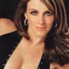 Actriz Elizabeth Hurley niega haber tenido una relación íntima con Bill Clinton