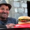 Video primera ves en su vida comiendo anburguesa People Eating Burgers For The First Time In Their Lives