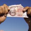 Liberan a una mexicana que estuvo presa dos años por pagar con un billete falso