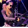 Miren que famosa acaba de ganar 50mil dolare jugando en atlanti city Paris Hilton Wins $50,000 on Blackjack AFTER $100,000 DJ Gig
