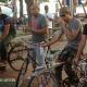 Fotos - Enrique iglesias montando bicicleta en