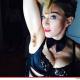 La famosa cantante Madonna sube foto de su axila sin afectar en instagram miren por que Me Against the Razor