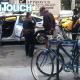 El actor Alec Baldwin, arrestado por andar en contravía en una bicicleta en Nueva York